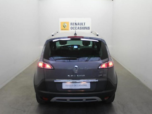 renault scenic 1 5 dci 110ch energy bose eco occasion meaux 10 980. Black Bedroom Furniture Sets. Home Design Ideas