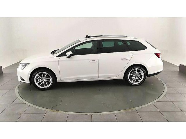 seat leon st 2 0 tdi 150ch fap premium start stop dsg occasion niort 20 890. Black Bedroom Furniture Sets. Home Design Ideas