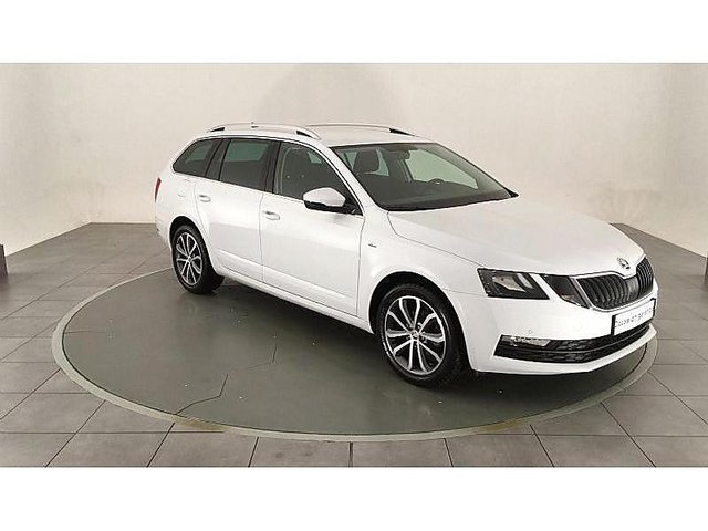 skoda octavia combi 1 6 tdi 116ch cr fap drive occasion poitiers 17 990. Black Bedroom Furniture Sets. Home Design Ideas