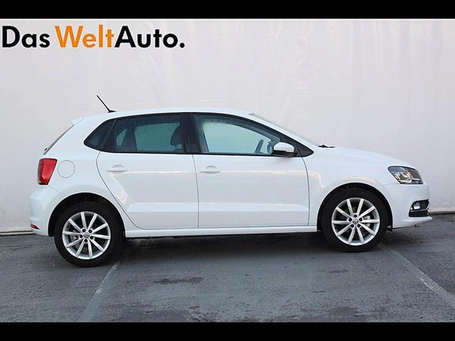 volkswagen polo 1 4 tdi 90ch bluemotion technology carat. Black Bedroom Furniture Sets. Home Design Ideas