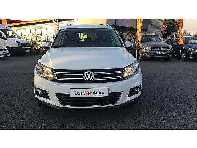 volkswagen tiguan 2 0 tdi 110ch bluemotion technology fap lounge occasion reims 17 563. Black Bedroom Furniture Sets. Home Design Ideas