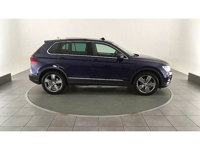 volkswagen tiguan 2 0 tdi 150ch bluemotion technology confortline occasion poitiers 23 990. Black Bedroom Furniture Sets. Home Design Ideas