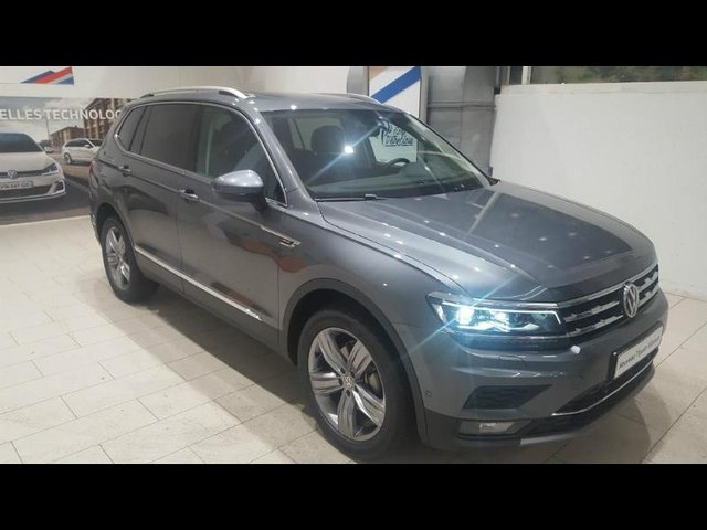 volkswagen tiguan allspace 2017 en vente rueil malmaison 92 en stock achat 46 900. Black Bedroom Furniture Sets. Home Design Ideas