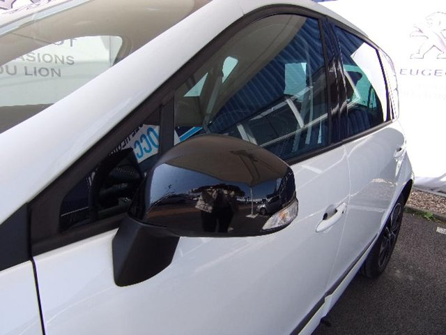 occasion renault scenic coulommiers 77 27670 km en vente 17 490 annonce n 102135. Black Bedroom Furniture Sets. Home Design Ideas