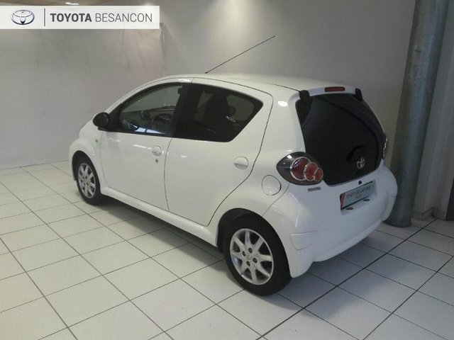 toyota aygo occasion 1 0 vvt i 68ch dynamic 5p metz hes4 43573. Black Bedroom Furniture Sets. Home Design Ideas