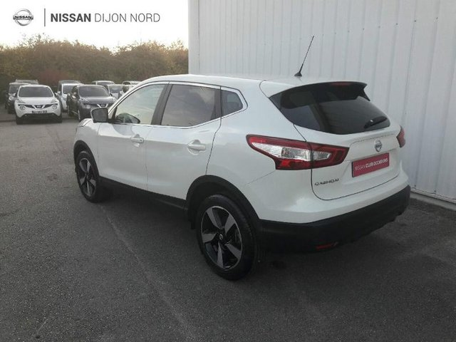 nissan qashqai occasion 1 5 dci 110ch connect edition hirson he17 17323. Black Bedroom Furniture Sets. Home Design Ideas