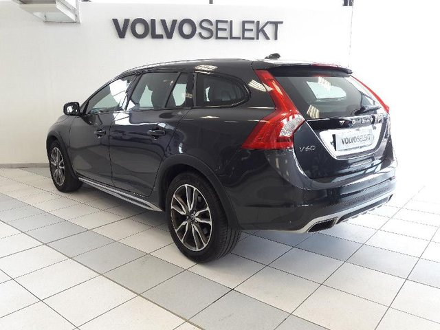 volvo v60 cross country occasion d3 150 summum bva options charleville vv57c1 480. Black Bedroom Furniture Sets. Home Design Ideas
