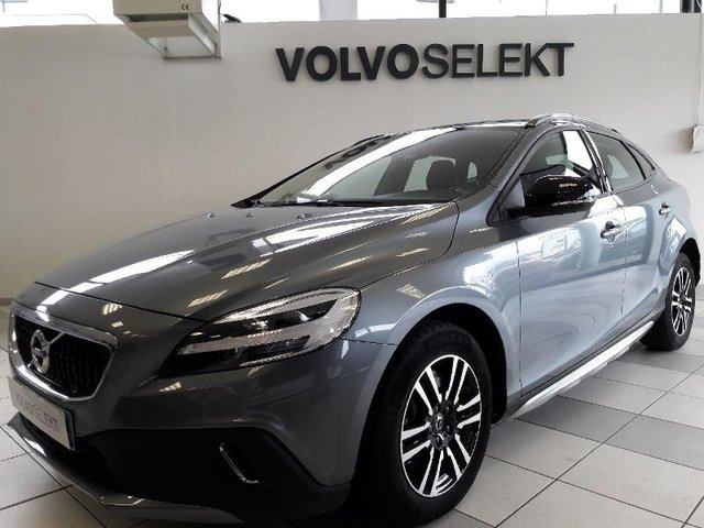 volvo v40 cross country occasion d2 120 momentum business. Black Bedroom Furniture Sets. Home Design Ideas