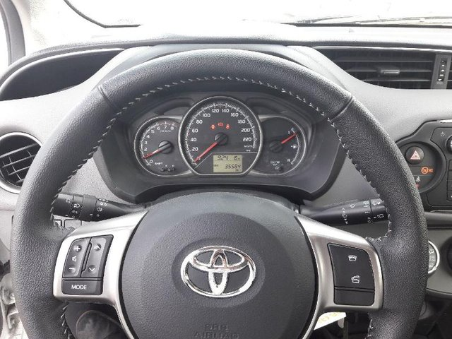 toyota yaris occasion 69 vvt i france 5p metz he27 34130. Black Bedroom Furniture Sets. Home Design Ideas