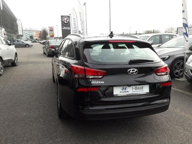 hyundai i30 sw occasion 1 6 crdi 110ch business metz hes6 vd17212. Black Bedroom Furniture Sets. Home Design Ideas