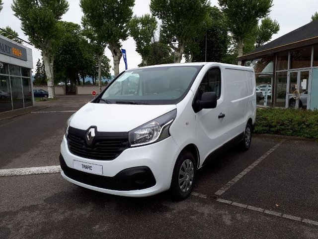 voiture occasion renault trafic fg dijon fiat dijon. Black Bedroom Furniture Sets. Home Design Ideas