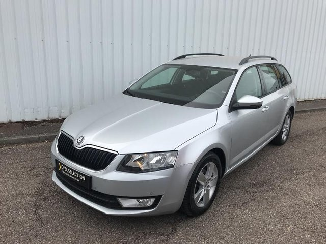 voiture occasion skoda octavia break charleville peugeot charleville. Black Bedroom Furniture Sets. Home Design Ideas