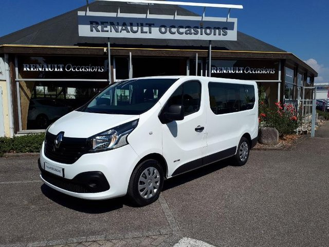 voiture occasion renault trafic combi dijon fiat dijon. Black Bedroom Furniture Sets. Home Design Ideas