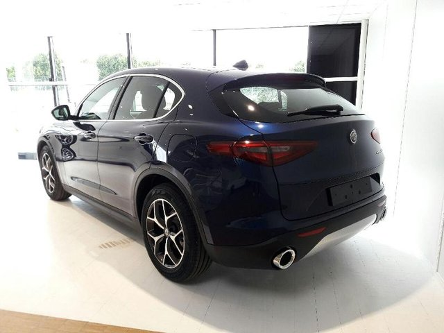 alfa romeo stelvio occasion 2 2 diesel 180ch lusso at8 reims he13 vd19229. Black Bedroom Furniture Sets. Home Design Ideas
