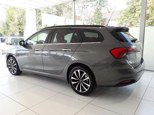 fiat tipo sw occasion 1 6 multijet 120ch lounge metz hes2 19923. Black Bedroom Furniture Sets. Home Design Ideas