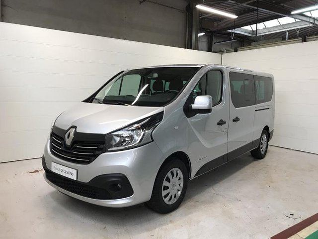 voiture occasion renault trafic combi nancy nissan nancy. Black Bedroom Furniture Sets. Home Design Ideas
