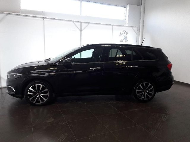 fiat tipo sw occasion 1 6 multijet 120ch lounge s s dijon abch 28423. Black Bedroom Furniture Sets. Home Design Ideas