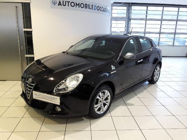 alfa romeo giulietta occasion 2 0 jtdm 150ch distinctive metz hes8 805312. Black Bedroom Furniture Sets. Home Design Ideas