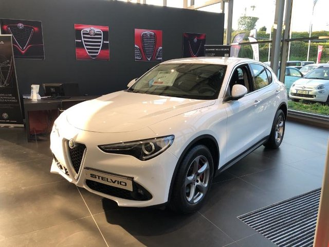 alfa romeo stelvio occasion 2 2 diesel 180ch super at8 nancy he18 vd101073. Black Bedroom Furniture Sets. Home Design Ideas