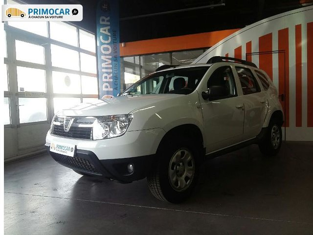 dacia duster 1 5 dci 90ch ambiance 4x2 1er main occasion pas cher primocar. Black Bedroom Furniture Sets. Home Design Ideas