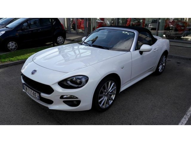 fiat 124 spider occasion 1 4 multiair 140ch lusso plus metz he18 vd101082. Black Bedroom Furniture Sets. Home Design Ideas