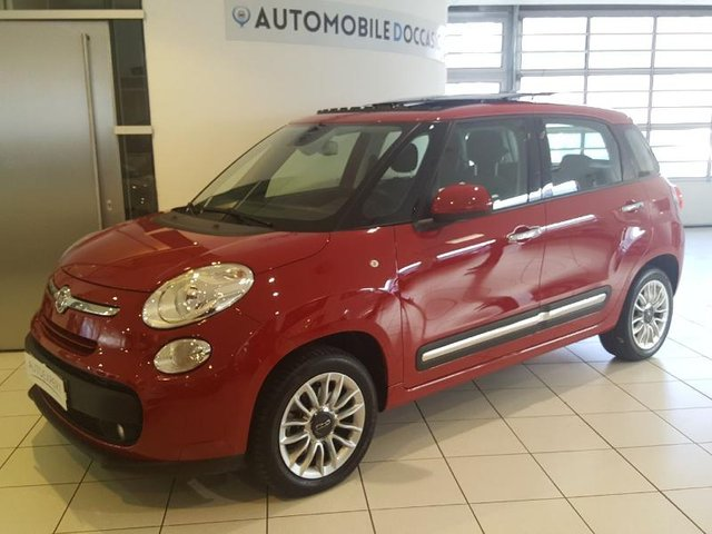 fiat 500l occasion achat 500l living et trekking. Black Bedroom Furniture Sets. Home Design Ideas