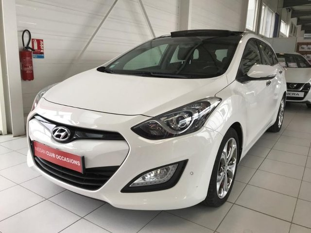 Hyundai i30 sw en occasion achat occasions hyundai i30 sw automobiledoccasion - Hyundai i30 1 6 crdi 128 pack premium a 5 portes ...