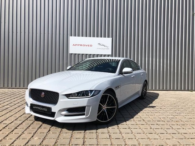 voiture occasion jaguar xe reims peugeot reims. Black Bedroom Furniture Sets. Home Design Ideas