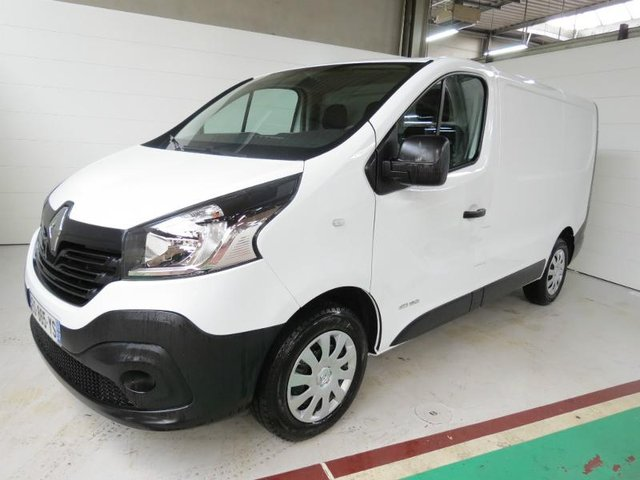 voiture occasion renault trafic fg besancon toyota besancon. Black Bedroom Furniture Sets. Home Design Ideas