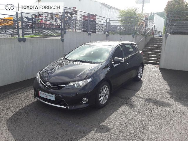 voiture occasion toyota auris charleville peugeot charleville. Black Bedroom Furniture Sets. Home Design Ideas