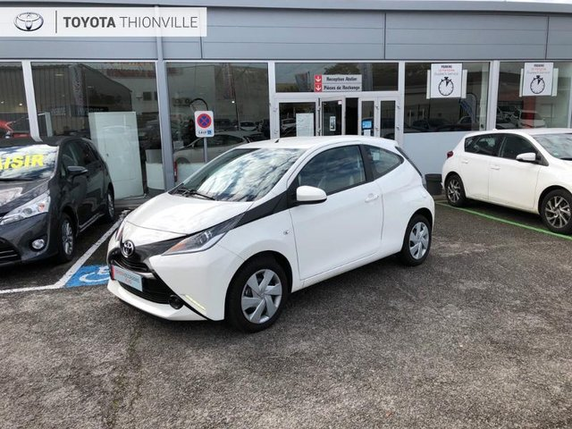 toyota aygo occasion 1 0 vvt i 69ch x play 3p metz aspa 5812. Black Bedroom Furniture Sets. Home Design Ideas