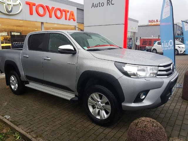 toyota hilux en occasion achat occasions toyota hilux automobiledoccasion. Black Bedroom Furniture Sets. Home Design Ideas
