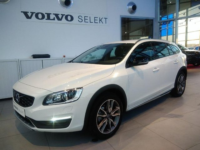 volvo v60 cross country d4 awd 190ch pro geartronic occasion hes9 502811. Black Bedroom Furniture Sets. Home Design Ideas