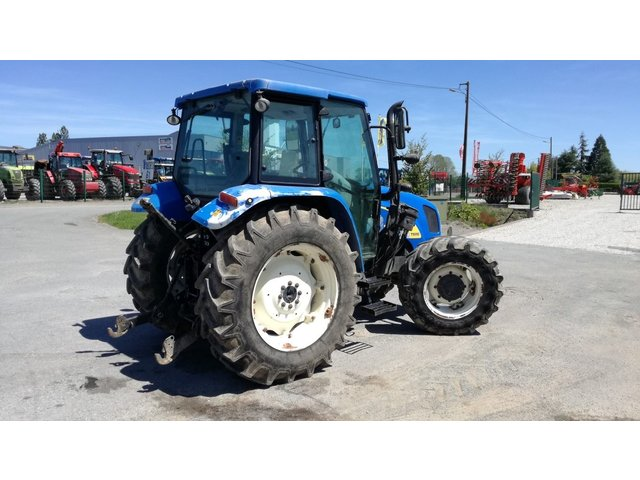 Occasion New Holland T5050 à LE HORPS 53