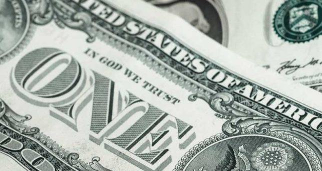 dolar-amplia-ganancias-frente-al-euro