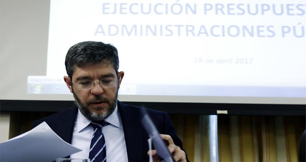 gobierno-atribuye-inflacion-negativa-desviacion-previsiones-ingresos-fiscales
