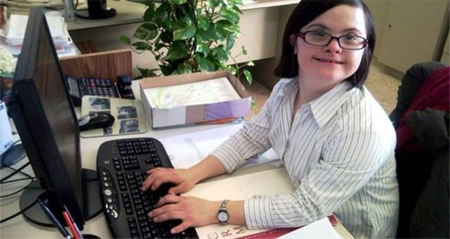 plena-inclusion-fundacion-universia-apoyan-el-empleo-publico-de-personas-con-discapacidad-intelectual