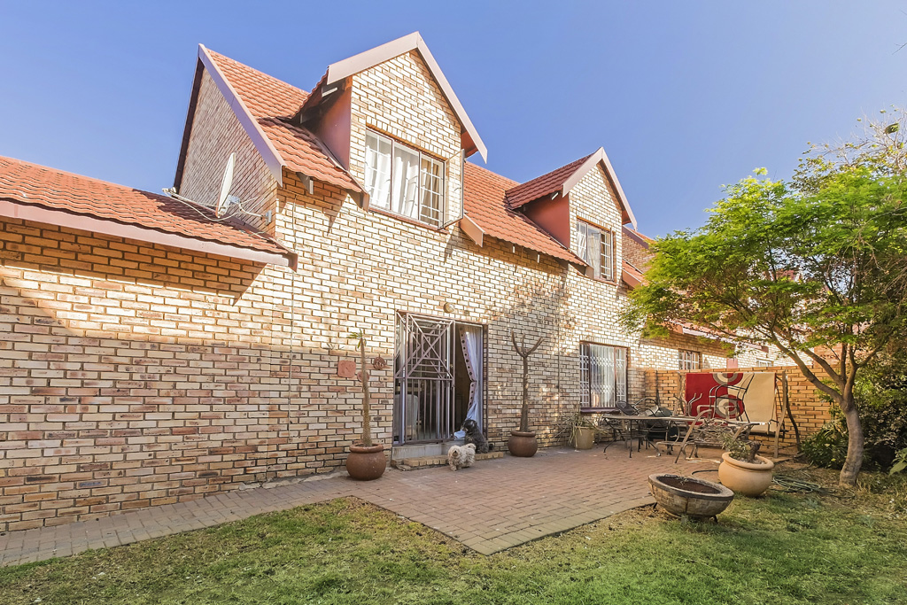 0 Ruimsig Manor 1, Van Dalen Rd, Willowbrook