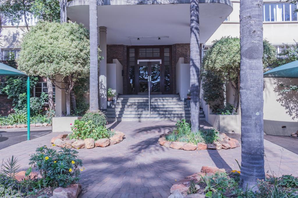 0 Lauriston Court, 186 Louis Botha Ave, Houghton Estate