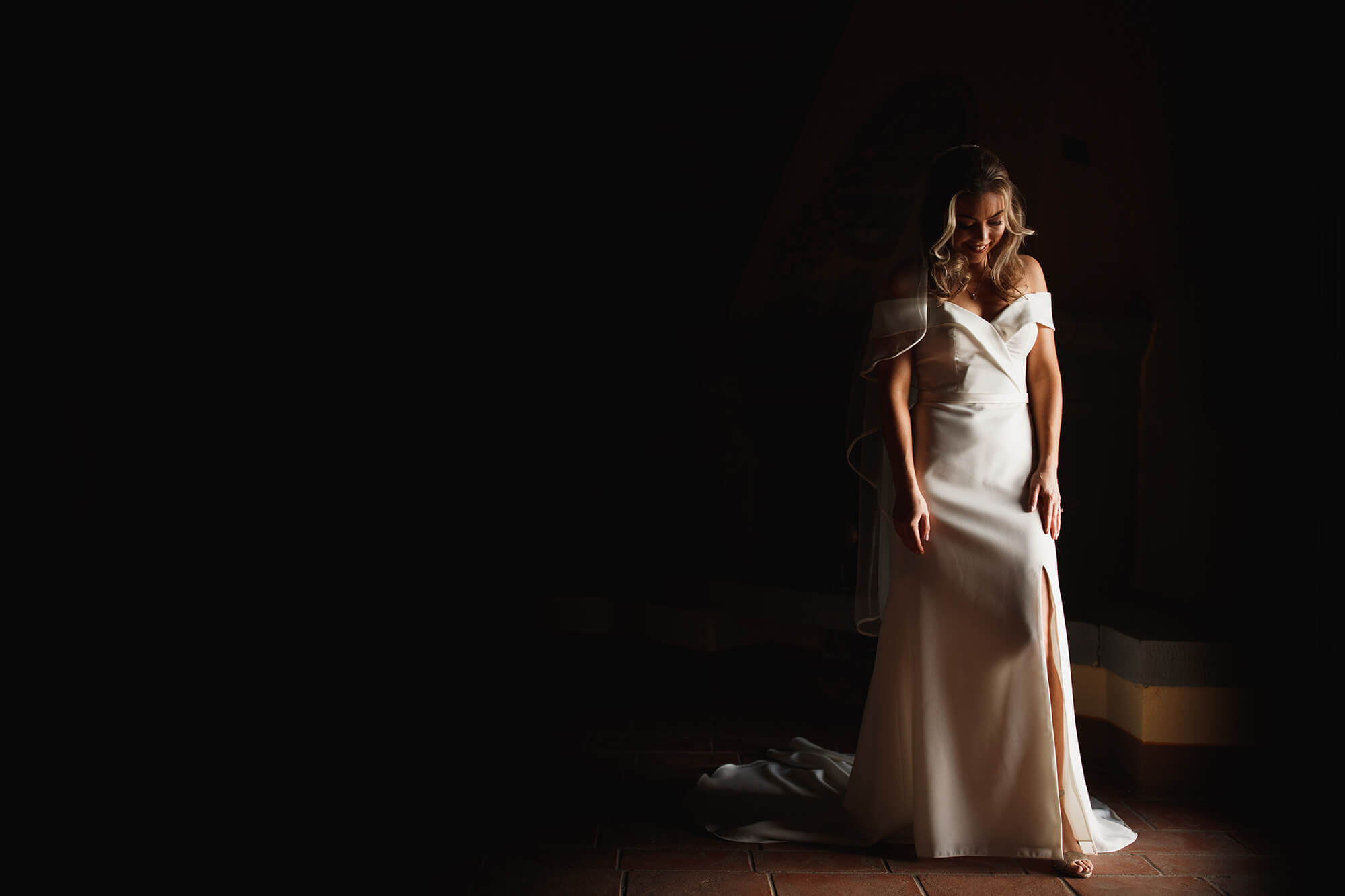 bride in the tuscan light