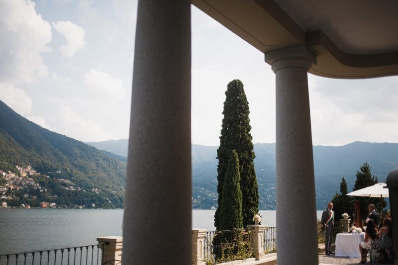 stunning ceremony setting on Lake Como