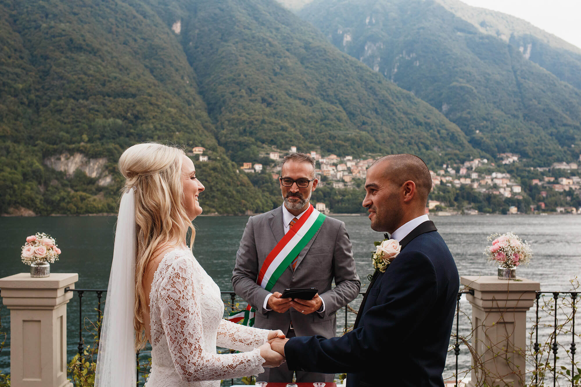 Villa Ceremony On The Lake