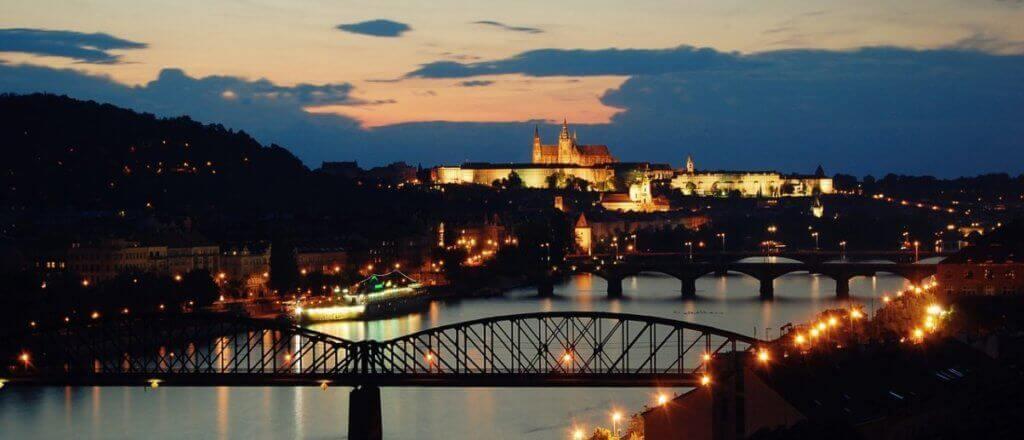 Nocni Praha plavba