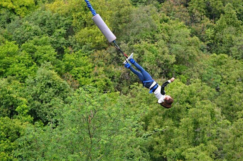 obrázek z článku Historie Bungee Jumpingu