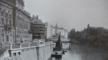 Riegrovo nabrazi naplavka pohled na reku