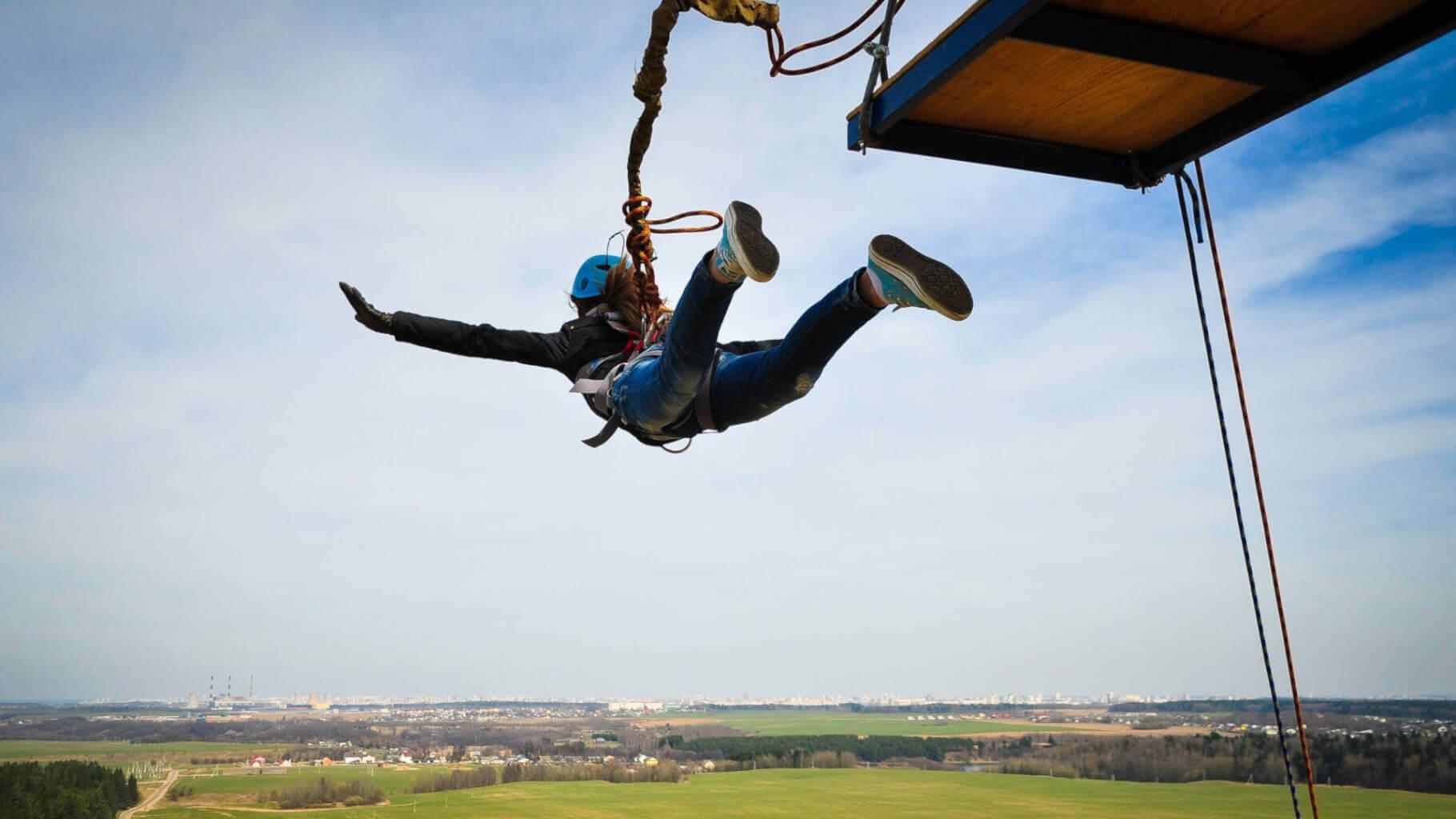 bungee jumping v ceske republice popularni adrenalinovy zazitek