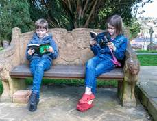 Young readers on the Seat of Remembrance