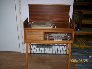 003. Centrum, radiogrammofon. Typ: 4279 ¤ 55W. Nr: 279-4955. Bild nr: 100-1004.