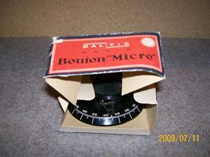 337. Stationsväljare-ratt. Typ: Baltic Radio Bouion, i oroginal förpackning. En av så otroligt mycket reservdelar jag fick från Burs. Fotonr: 100_3710