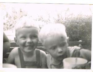 Sivert och Leif-Arne sommaren 1959 001